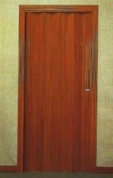 Puertas plegables fernndez pizarro - Como barnizar una puerta de madera ...
